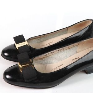 Salvatore Ferragamo 5B VARA Bow patent leather